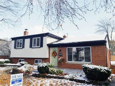 Warren Single Family Home For Sale: 31046 Nelson Drive