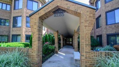 Ann Arbor Condo/Townhouse For Sale: 2125 Nature Cove Court #102