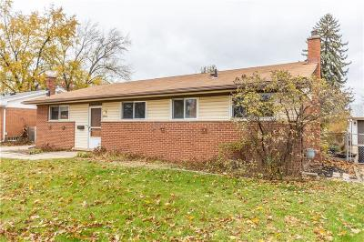 Livonia MI Single Family Home For Sale: $200,000