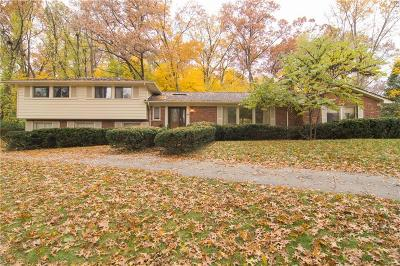 Bloomfield Twp Single Family Home For Sale: 4882 Malibu Drive