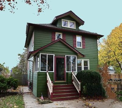 Royal Oak Single Family Home For Sale: 815 Louis Avenue