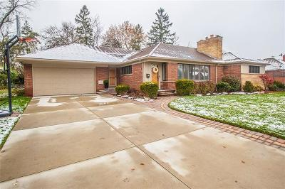 Dearborn Single Family Home For Sale: 111 Golfcrest Drive