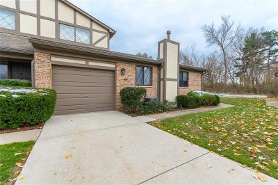 Rochester Hills Condo/Townhouse For Sale: 1923 Allenway Court