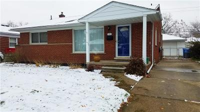 Dearborn Heights Single Family Home For Sale: 8356 Arnold Street