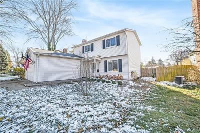 Royal Oak Single Family Home For Sale: 706 Montrose Avenue