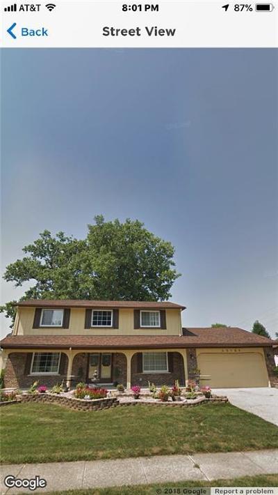 Clinton Twp Single Family Home For Sale: 40169 Vincenzia