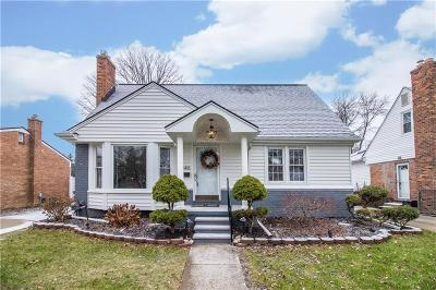 Royal Oak Single Family Home For Sale: 3346 Parker Drive