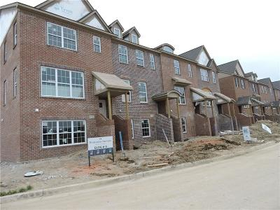 Northville Condo/Townhouse For Sale: 47750 Leland Drive #58