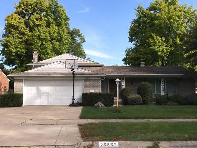 Dearborn Heights Single Family Home For Sale: 25852 Shirley Lane