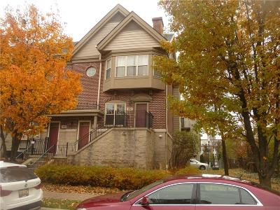 Detroit Condo/Townhouse For Sale: 82 Adelaide Street #1