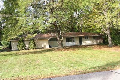 Southfield Single Family Home For Sale: 29901 Bermuda Ln