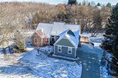 Hartland Twp Single Family Home For Sale: 4046 Rolling Acres Drive