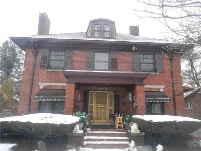 Highland Single Family Home For Sale: 66 Rhode Island