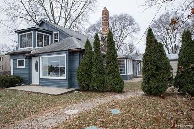 Commerce, Commerce Township, Commerce Twp Single Family Home For Sale: 1203 W Oakley Park Road