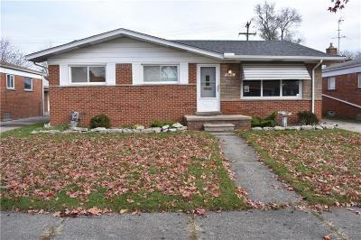 Macomb County Single Family Home For Sale: 24576 Almond Avenue