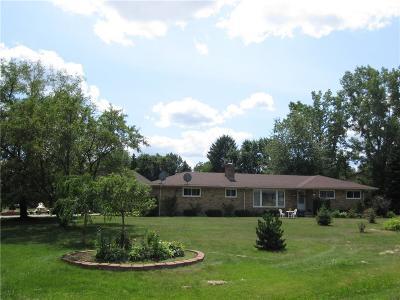 Farmington Hills Single Family Home For Sale: 28434 W Greenmeadow Circle