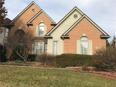 Rochester Hills Single Family Home For Sale: 2068 Mapleridge Road