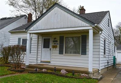 Redford Twp Single Family Home For Sale: 18714 Olympia