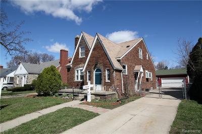 Eastpointe Single Family Home For Sale: 15571 Deerfield Avenue