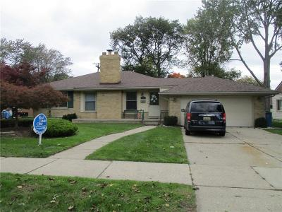 Dearborn Heights Single Family Home For Sale: 25690 Loch Lomond Drive