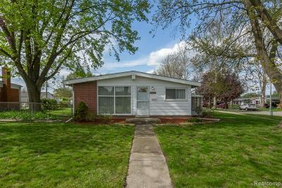 Westland Single Family Home For Sale: 29912 Lonnie Drive