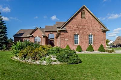 Brownstown Twp, Flat Rock Single Family Home For Sale: 30614 Hickory Court