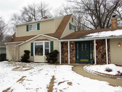 Fenton Single Family Home For Sale: 15117 Charluene Drive