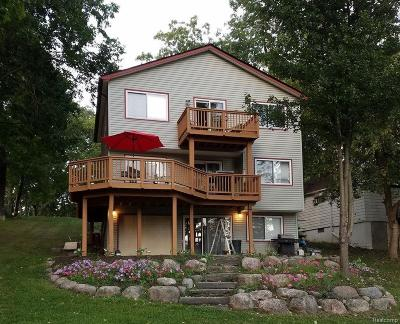White Lake Single Family Home For Sale: 4337 Oakguard Drive