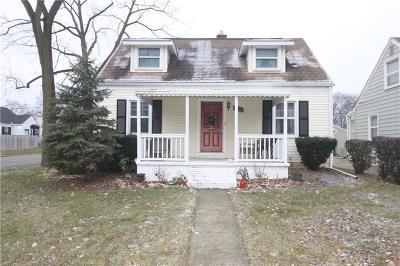 Berkley Single Family Home For Sale: 2417 Mortenson Boulevard