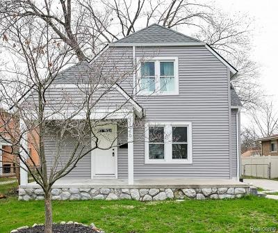 Royal Oak Single Family Home For Sale: 3126 Shenandoah Drive
