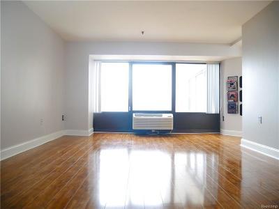 Detroit Condo/Townhouse For Sale: 300 Riverfront Drive #4G
