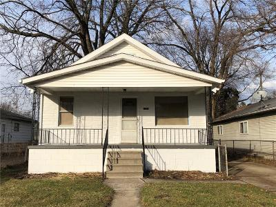 Hazel Park Single Family Home For Sale: 1771 E Jarvis Avenue