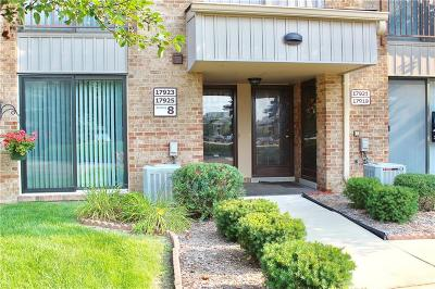 Livonia Condo/Townhouse For Sale: 17919 University Park Drive