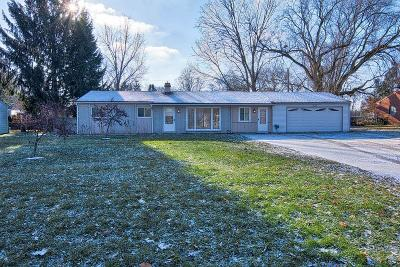 Waterford Twp, Commerce Twp, Walled Lake, Northville, Novi Single Family Home For Sale: 2224 South Commerce Road