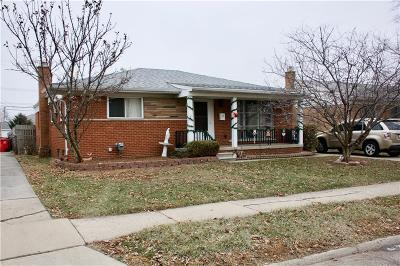 St. Clair Shores, Harrison Twp, Roseville, Clinton Twp Single Family Home For Sale: 25220 Chippendale Street