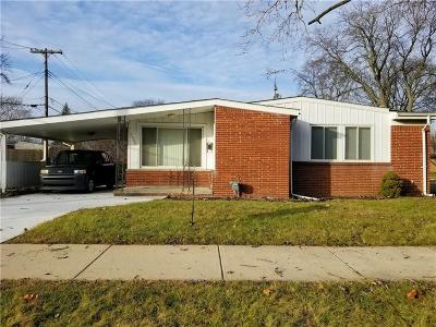 Oakland County Single Family Home For Sale: 24021 Marlow Street