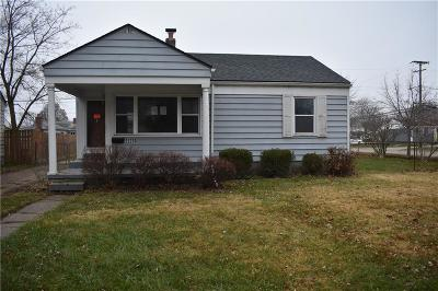 St. Clair Shores MI Single Family Home For Sale: $80,000