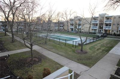 Royal Oak Condo/Townhouse For Sale: 4909 Crooks Road #UNIT D