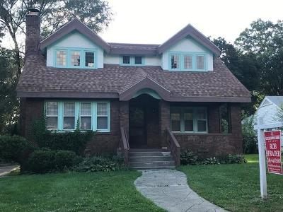 Oakland County Single Family Home For Sale: 180 Cherokee Road