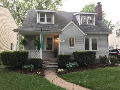 Royal Oak Single Family Home For Sale: 902 McLean Avenue