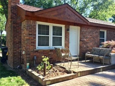 Rochester Hills Single Family Home For Sale: 371 Maplehill Road