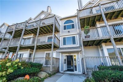 Harrison Twp Condo/Townhouse For Sale: 37520 Jefferson Avenue # 201