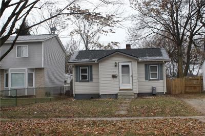 Pontiac Single Family Home For Sale: 33 E Princeton Avenue
