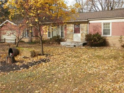 Livonia Single Family Home For Sale: 30502 Bretton Street