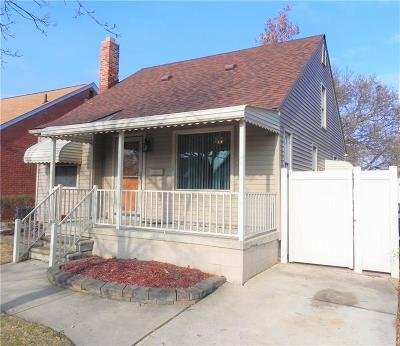 Lincoln Park Single Family Home For Sale: 1486 Cleveland Avenue