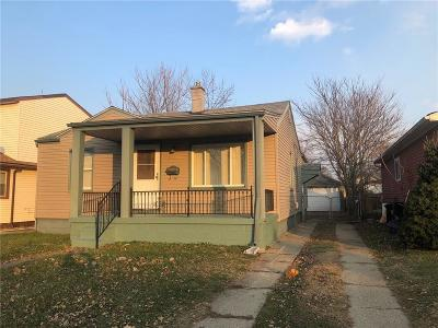 Madison Heights MI Single Family Home For Sale: $99,900