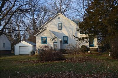 Livonia Single Family Home For Sale: 29764 Clarita Street