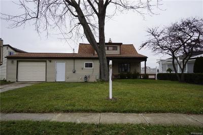 Belleville Single Family Home For Sale: 135 Potter Drive