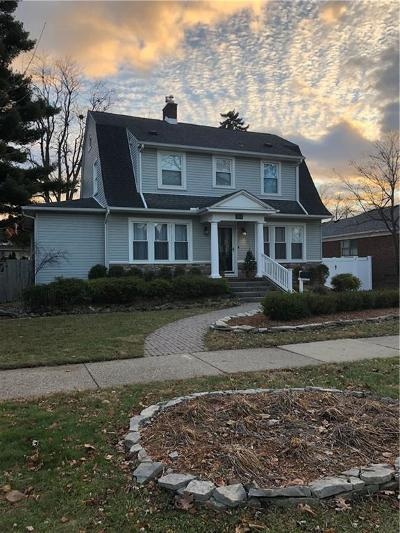 Wyandotte Single Family Home For Sale: 353 Emmons Boulevard
