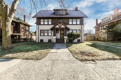Detroit Single Family Home For Sale: 825 Chicago Boulevard
